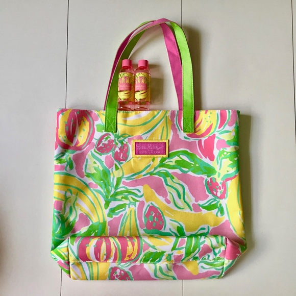 Lilly Pulitzer Handbags - Lilly Pulitzer Estee Lauder Travel Beach Bag Tote